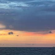 Sunset at the beach (100 x 100)